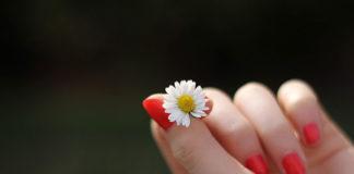 Jak poprawić kondycję swoich paznokci?